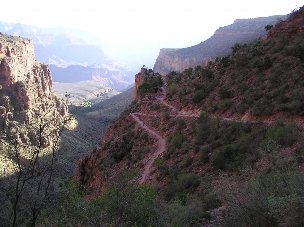 Bright Angel Trail efter det var blevet lyst.